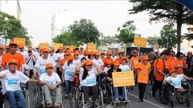 100名殘疾人運動員參加此次比賽。