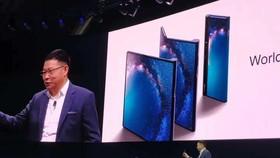 中國華為公司24日在西班牙巴塞羅那舉行產品發佈會,首次推出基於第五代移動通信技術(5G)的商用手機Mate X 。(圖源:互聯網)