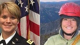 圖為美國女宇航員安妮·麥克萊恩(左)和克里斯蒂娜·科赫(右)的資料照片。(圖源:AP)
