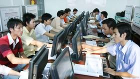 資訊技術員的薪資較一般行業高,因此吸引不少年輕人學習。