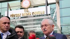4月1日,土耳其安卡拉,土耳其最高選舉委員會主席居文(Sadi Guven)對媒體講話。(圖源:Getty Images)