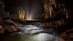 探險團隊在風芽-格邦國家公園内發現了另一個山水洞。(圖源:明峰)