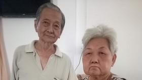 年紀大體力差的陳文三老伯在醫院照顧妻子,夫婦倆正為醫藥費發愁。