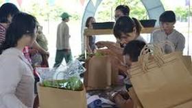 鼓勵使用紙質購物袋等環保包裝品,加強培養市民的環保意識。(示意圖源:互聯網)