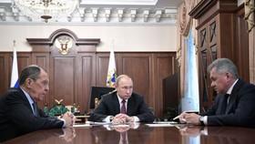 普京宣佈俄暫停履行。(圖源:新華社)