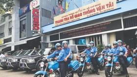 市交通運輸廳監察署出發開展交通安全宣傳活動。(圖源:互聯網)