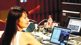 我國電子音樂界的著名年輕藝人梁惠貞。