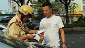 民眾在交警執行任務時可不可以錄音、錄像一事仍存在許多不同意見。