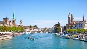 瑞士旅遊景點之一的蘇黎世湖。(圖源:互聯網)