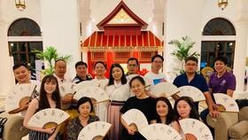作者(後排左一)與來自世界各地的同學相聚馬尼拉。