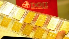 昨(12)日下午2時,本市各企業標貼SJC黃金價格每兩買入4150萬元,賣出4185萬元,每兩比上次約升10萬元。(示意圖源:互聯網)