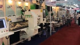 第十三次越南木工機械暨傢具零配件展覽一瞥。