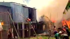 An Giang: Hỏa hoạn thiêu rụi 10 căn nhà của người dân