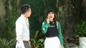 Nam Thư nhận nút Play vàng của YouTube