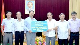 Đoàn công tác TP Đà Nẵng trao 1 tỷ đồng hỗ trợ đồng bào tỉnh Yên Bái bị ảnh hưởng bởi mưa lũ