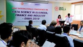 TS. Nguyễn Thị Anh Đào – Chủ tịch HĐQT, Hiệu trưởng ĐH Đông Á phát biểu tại Hội thảo