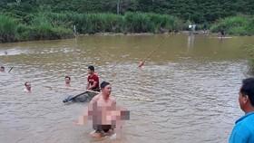 Rủ nhau tắm sông, 2 anh em đuối nước thương tâm