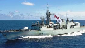 Lần đầu tiên tàu hải quân Canada thăm Cảng quốc tế Cam Ranh
