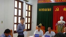 Ông Phan Đoàn Thái, Giám đốc Sở GD-ĐT tỉnh Bình Thuận thông tin tại hội nghị.