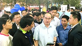 Mr. Nguyen Thien Nhan, secretary of the HCMC Party Committee, visits Saigon Innovation Hub on September 8 (Photo: SGGP)