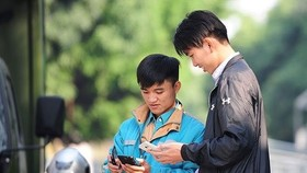 Vietnam will develop 5G mobile connectivity this year. (Photo: Vietnambiz)