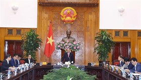 Prime Minister Nguyen Xuan Phuc speaks at the working session (Photo: VNA)