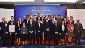 Participants in the 11th ARF Inter-Sessional Meeting on Maritime Security pose for a photo (Source: VNA)