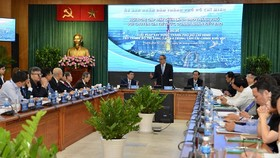 Secretary Nguyen Thien Nhan states at the meeting with overseas Vietnamese on April 6 (Photo: SGGP)