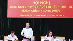 Phó Bí thư Thường trực Thành ủy TPHCM Tất Thành Cang phát biểu tại hội nghị
