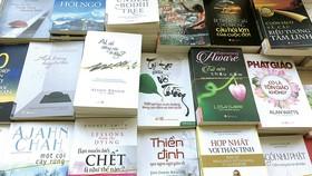 """Dòng sách tinh thần đang được xem là """"phao cứu sinh"""" cho nhiều người trong cuộc sống bon chen, vội vã"""