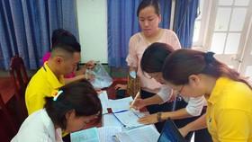 BHXH TPHCM làm thủ tục tham gia BHXH tự nguyện cho người dân