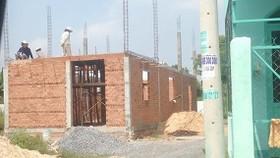 Nhiều công trình vi phạm xây dựng ở huyện Hóc Môn (TPHCM).