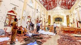 Hiện trường tại một nhà thờ bị đánh bom.  Ảnh: AP