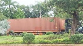 Tài xế 2 xe container bỏ trốn khỏi cửa khẩu