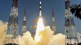 Ấn Độ và Pháp sẽ xây dựng hệ thống giám sát tàu biển tự động từ không gian đầu tiên trên thế giới. Ảnh: PTI