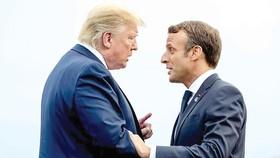 Tổng thống Mỹ Donald Trump (trái) và Tổng thống nước chủ nhà Pháp Emmanuel Macron  tại Hội nghị Thượng đỉnh G7