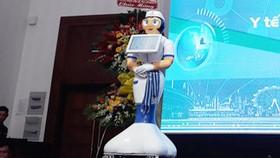 Bệnh viện có nhân viên robot