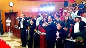 Bộ trưởng Bộ Y tế tập thể dục trong khai mạc Những ngày phim y tế Việt Nam 2019