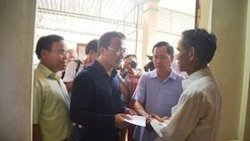 Phó Chủ tịch chuyên trách Ủy ban ATGT quốc gia Khuất Việt Hùng thăm hỏi, hỗ trợ  gia đình bị nạn