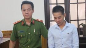 Áp giải bị cáo Trần Cao Dương về trại giam