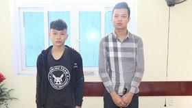 Lê Văn Dũng và Nguyễn Phi Tuấn tại cơ quan điều tra. Ảnh: Công an Hà Tĩnh cung cấp