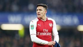"""Alexis Sanchez vì tiền quyết rời Arsenal, và giờ trì hoãn ký với Man.United để nhằm """"tận thu"""". Ảnh: Getty Images"""