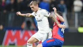 Real Madrid (trái) tiếp tục gây thất vọng tại CSKA Moscow. Ảnh: Getty Images