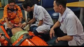 Cứu thuyền viên bị tai biến mạch máu não tại vùng biển quần đảo Hoàng Sa