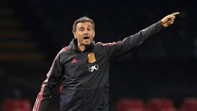 Luis Enrique bất ngờ từ chức HLV tuyển Tây Ban Nha. Ảnh: Getty Images