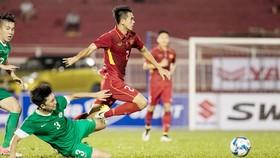 Thắng Ma Cau 8 bàn nhưng hàng thủ Việt Nam cũng dễ dàng thủng lưới.                                                                              Ảnh: Hoàng Hùng