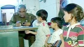 Nhiều trẻ em Ấn Độ nghi bị bắt cóc ở nhà ga