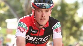 Rohan Dennis của BMC Racing là người đầu tiên mặc Áo đỏ ở Vuelta năm nay.