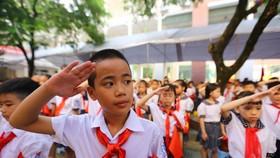 Các em học sinh Trường Lê Hồng Phong trong ngày khai trường. Ảnh: HOÀNG HÙNG