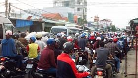 Giao thông chưa được kết nối đang là lực cản của vùng kinh tế Đông Nam bộ                Ảnh: VĂN PHONG